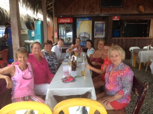 L to R around the table: Janet, Susan, Elaine, Teresa, Tulia, Barb, Frede, Sarah & Samantha (another visiting friend of Elaine & Bill)